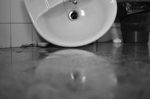 Kırık lavabo.jpg