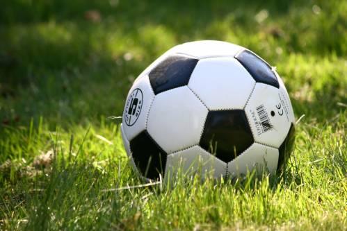 futbol-sahası-çimi.jpg